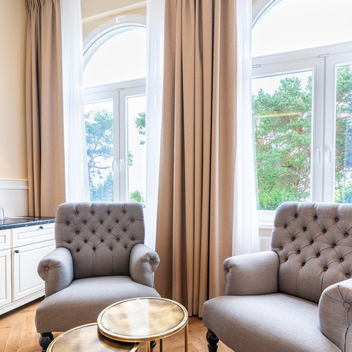 Strandhotel Ahlbeck Suite chairs